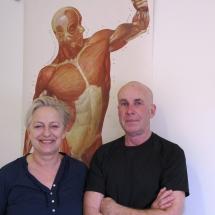 Els-Marie & Lelle, Lelles sjukgymnastik